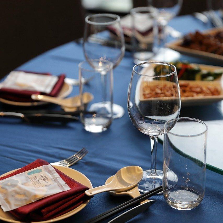 table, table setting, cutlery-5696243.jpg